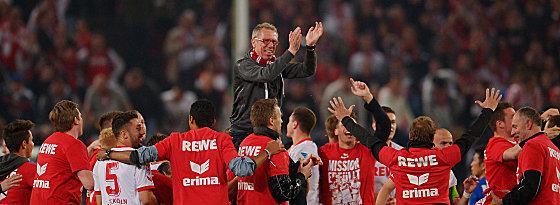 Trainer Peter Stöger und seine Spieler