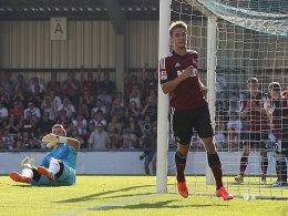 Jakub Sylvestr (re.) bejubelt seinen Treffer zum zwischenzeitlichen 1:1