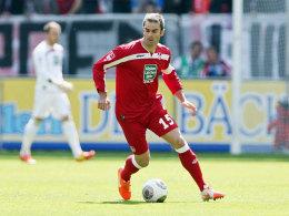 Soll möglichst lange auf dem Betzenberg spielen: Kapitän Marc Torrejon.