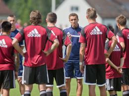 Schwört sein Team auf das 257. Frankenderby ein: Club-Trainer Valerien Ismael.