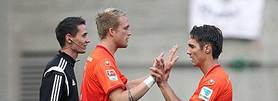 Youngster f�r Routinier: Philipp Hofmann (li.) wird an Stelle von Srdjan Lakic gegen die Fortuna beginnen.