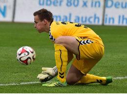 Durfte den letzten Ball im Tor der SpVgg Greuther Fürth gegen den Karlsruher SC (0:3) halten: Tom Mickel.