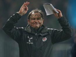 Fordert von seinem Team bei 1860 München, die Nerven zu behalten: St. Paulis Trainer Ewald Lienen.