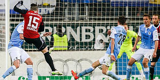 Schussgewaltig: Ingolstadts Danilo (#15) trifft zum 1:0.