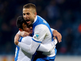 Riesenjubel: Bochums Stanislav Sestak feiert mit Onur Bulut einen seiner Treffer gegen Heidenheim.