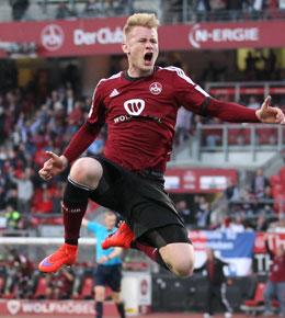 Jubelsprung: Sebastian Kerk brachte den Club auf die Siegerstra�e.