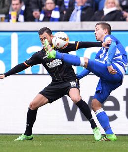 Erste Minute, erster Treffer: KSC-Spieler Torres schlug in Duisburg fr�h zu.