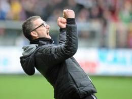 Erste Gl�cksgef�hle f�r Fortunen-Coach Kurz