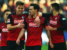 Dosenöffner: Höfler (Mitte) brachte den SC Freiburg auf die Siegerstraße.
