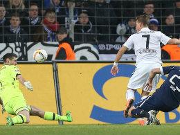 Einen Schritt voraus: Freiburgs Niederlechner (#7) trifft zum 1:0.