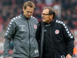 Hoch angesehen auf St. Pauli: Torwarttrainer Mathias Hain (li.), hier mit Chefcoach Ewald Lienen.