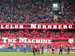 Sorgen nicht nur für gute Stimmung im Stadion: Die FCN-Fans fielen dem DFB zweimal negativ auf.