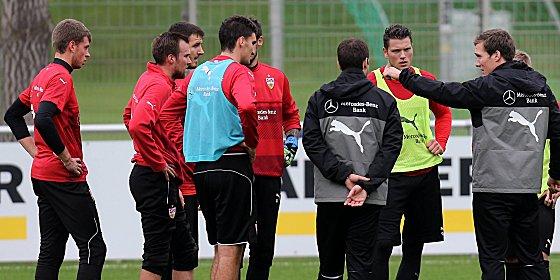 """""""Die Gedanken an das Drumherum werden uns nicht helfen"""": VfB-Coach Hannes Wolf"""