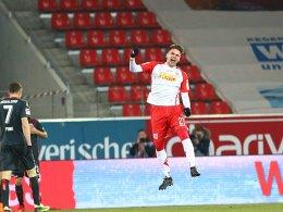 LIVE! Irre: Der Jahn führt mit 4:3 - Rösers Traumtor