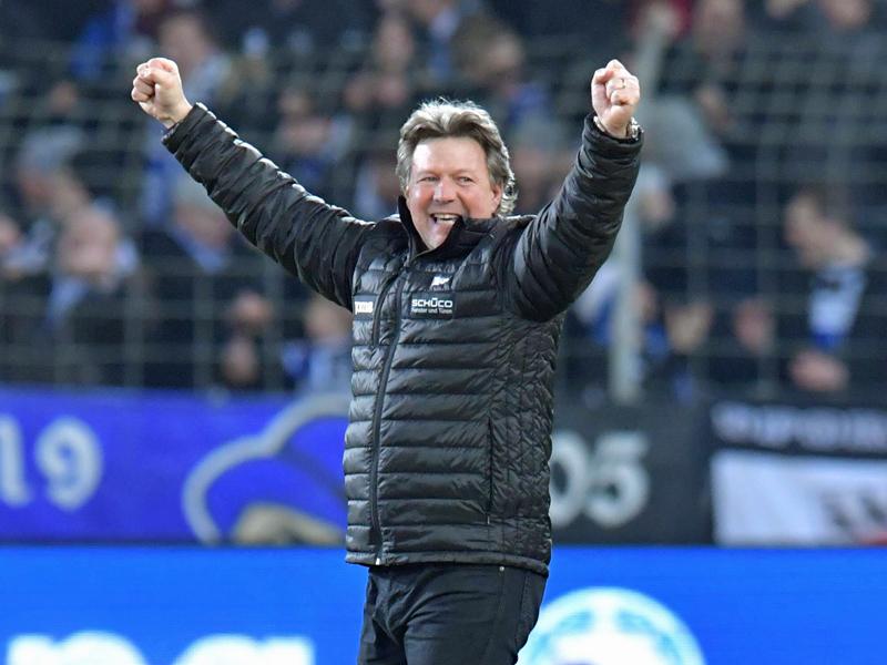 Düsseldorf dreht Spiel gegen Bielefeld