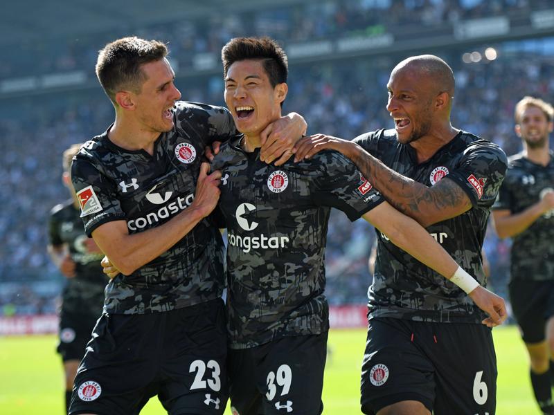 St. Pauli rettete sich durch das 1:0 gegen Bielefeld - Park war der Matchwinner.