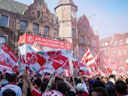 Düsseldorf: Champions und Tote Hosen