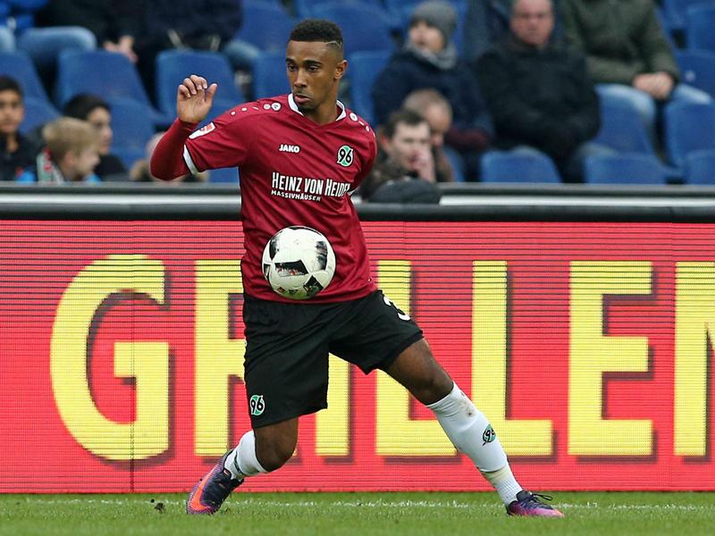 """Idealer Zeitpunkt"": Sarenren Bazee verlängert in Hannover"