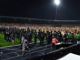 Platzsturm, Knallkörper trifft Ordner: Nun ermittelt der DFB