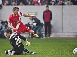 Warnt vor dem Spielwitz des FC St. Pauli: Düsseldorfs Andreas Lambertz, hier gegen Braunschweigs Keeper Davari.