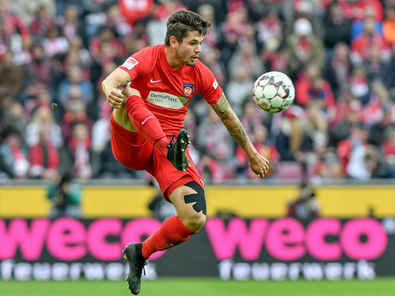 Douglas Santos lässt Kölner Duo hinter sich