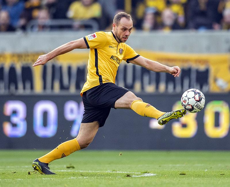 HSV-Glücksgriff Mangala: Nicht von dieser Liga