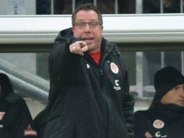 St. Pauli spielt bei Kauczinski-Debüt nur remis