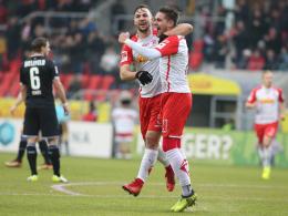 Adamyan wirbelt - Regensburg krönt starkes Jahr 2017
