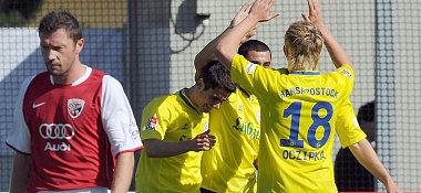 Rostocker Jubel: Beim 1:0-Führungstor war die Welt der Hanseaten noch in Ordnung.