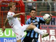 Daniel Embers (l) gegen Antonio Rukavina