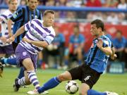 Mohr blockt VfL-Kapitän Thomas Reichenberger rechtzeitig ab
