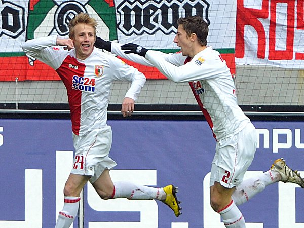 Fußball, 2. Bundesliga: Michael Thurk (l.) und Jens Hegeler (FC Augsburg)