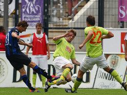 Der Ausgleich: Mario Fillinger (li.) rettet dem FSV Frankfurt einen Punkt gegen Erzgebirge Aue