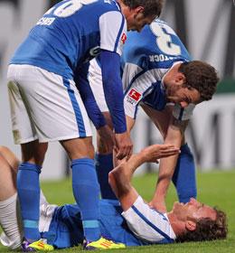 """Dominic Peitz (unten) beim """"Jubel"""" übers 1:0"""