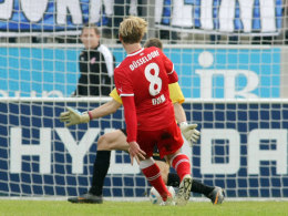 Düsseldorfs Sascha Dum erzielt das 3:2