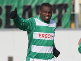 Erste Heimspiel für Fürth, und gleich ein Doppelpack: Gerald Asamoah glänzte gegen Paderborn.
