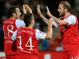 Marc-Andre Kruska, Nicolas Farina, Daniel Adlung (alle FC Energie Cottbus)