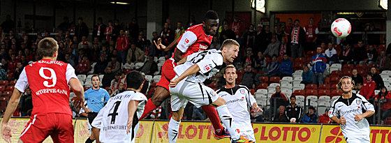 Boubacar Sanogo trifft gegen Frankfurt