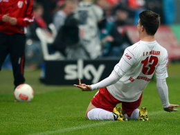 Regensburgs Müller bejubelt das 1:0