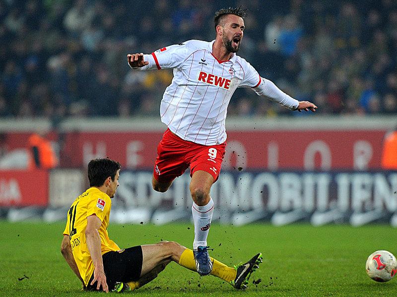 Ausgebremst: Kölns Maierhofer (re.) gegen Dynamos Losilla.