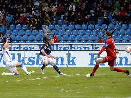 Marcel Gaus trifft zum 1:0 für Frankfurt gegen Bochum.