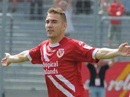 Freute sich über seinen schönen Treffer zum 3:0: Erik Jendrisek.
