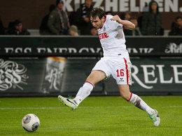 Kölns Patrick Helmes erzielt das 2:0