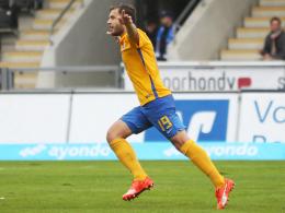 Führungstreffer: Braunschweigs Ken Reichel bejubelt seinen Treffer zum 1:0.