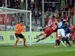 Frankfurt rutscht auf Relegationsplatz ab