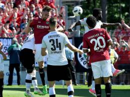 Hannover 96 feiert in Sandhausen den Aufstieg