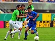 Sercan Güvenisik, SC Paderborn (in blau)