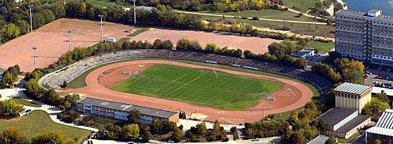 Stadion am Bildungszentrum in Halle-Neustadt
