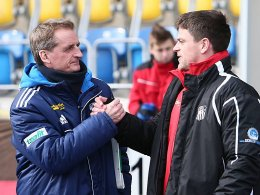 FCC-Coach Petrik Sander (li.) und Zwickaus Trainer Torsten Ziegner