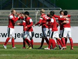 Da war die Welt noch in Ordnung: Oberneulands Torjubel im Spiel gegen Wolfsburg II.
